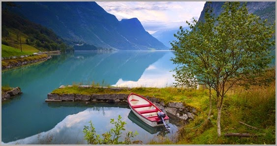 Norway-beautiful-nature-scenery-lake-mountains-clouds-boat-trees_1920x1080