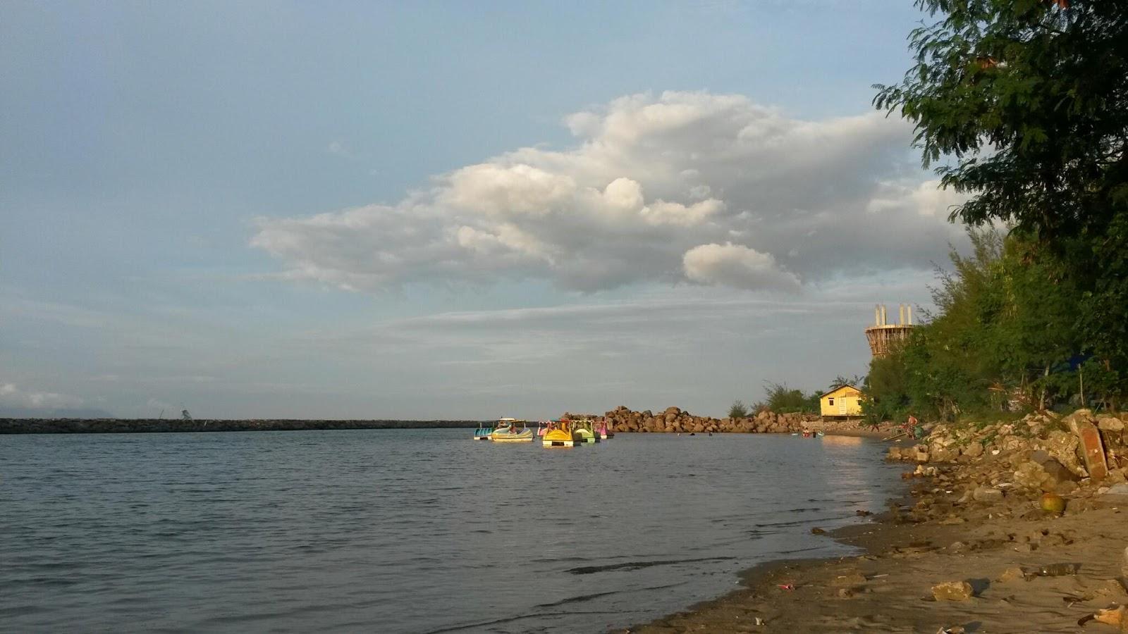 Wisata Ke Pantai Ulee Lheu