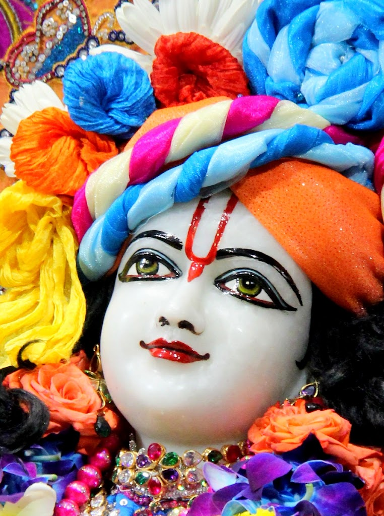 ISKCON Juhu Sringar Deity Darshan 14 Jan 2016 (20)
