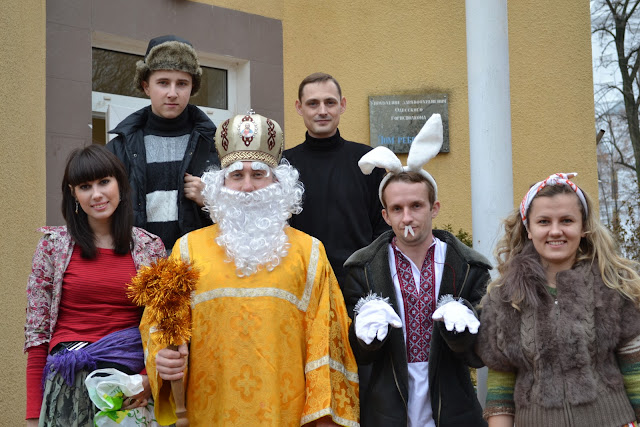 Святий Миколай та його помічники