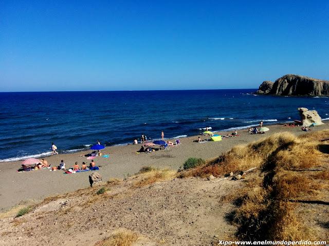playa-del-peñon-blanco-almeria.jpg