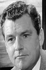 907a. Kenneth More as Lightoller