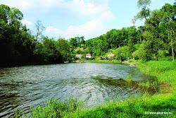 """Tábořiště """"U Mlýna"""" nabízí sociální zařízení a pitnou vodu, stravování je možné v hostinci ve mlýně. Další tábořiště: Tábořiště U jezu, ř. km 133,5 Klášterec nad Ohří."""