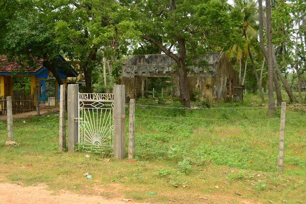 Разрушенный дом после цунами, Шри Ланка