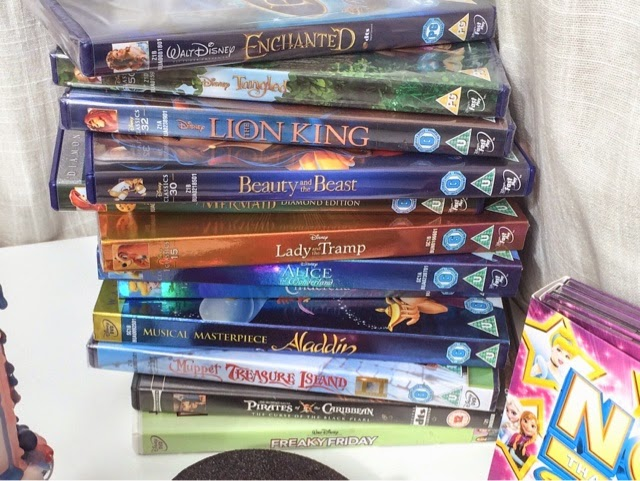 lifestyle-blog-disney-night-in-disney-films-disney-princess-disney-cd-girls-night-disney-nails-party-food-frozen-beauty-and-the-beast-hercules-blackfish-tangled