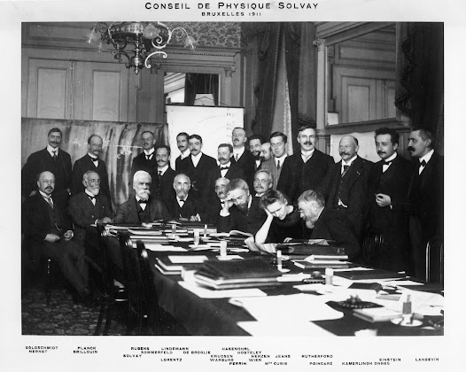 First Solvay Physics Council in 1911 at the Metropole Hotel in Brussels, bringing together the best physicists of the day to address the issue of radiation and quanta. (Photographer : Benjamin Couprié).