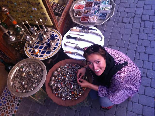 zagubiona Ada pośród niebezpieczeństw marokańskich uliczek
