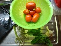 making pelatti, drying tomatoes (1)