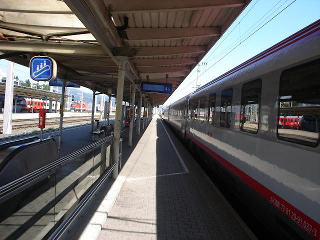 pociąg Villach>Wiedeń 48+10euro za rower... brak znizek dla studentów...
