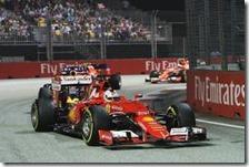Sebastian Vettel con la Ferrari nel gran premio di Singapore 2015