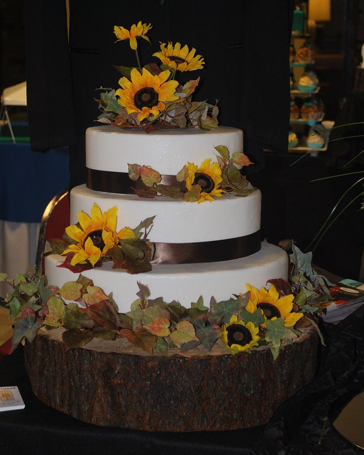 Oval Autumn Wedding Cake