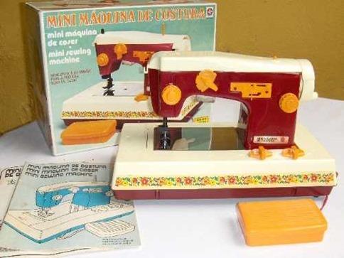 brinquedo-antigo-mini-maquina-costura-boneca-susi-estrela_MLB-O-3214751981_102012