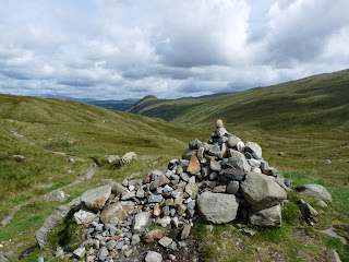 A cairn on the Stake Pass.