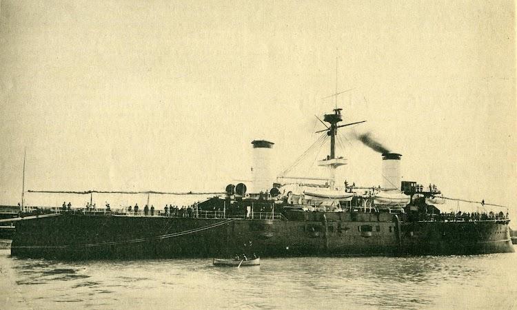 Vista de popa del CRISTOBAL COLON. De la revista El Mundo Naval Ilustrado. Año 1897.JPG