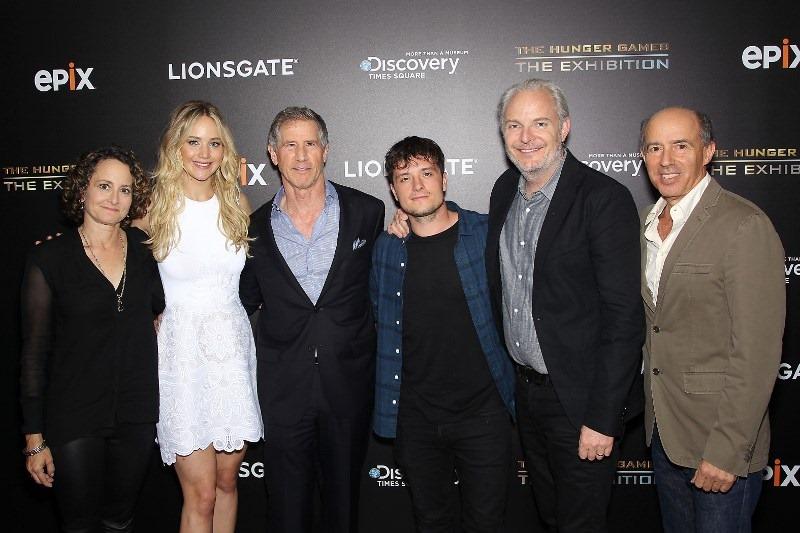 Nina Jacobson,Jennifer Lawrence,Jon Feltheimer (CEO; Lionsgate),Josh Hutcherson,Francis Lawrence,Jon Kilik