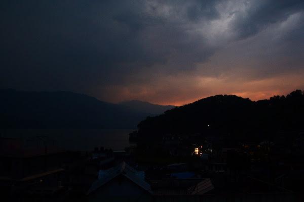 покхара озеро фева лейк сайд отключение света