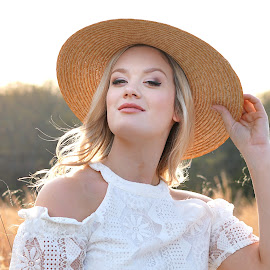 ALISSA  by Diana Cantey - People Portraits of Women ( models with hats, diana cantey, beautiful senior models, diana cantey photography, diana cantey senior photography,  )