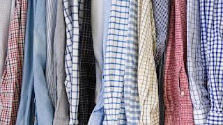 Comment défroisser une chemise sans fer à repasser?