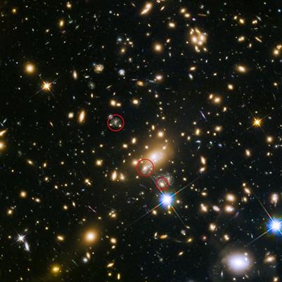 as aparições da supernova Refsdal