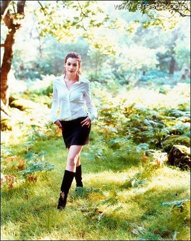 Anne Hathaway16.