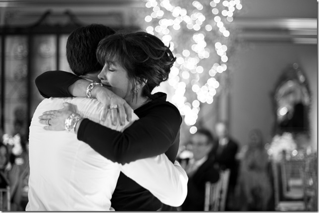 mother-son-dance_vivian-lin-photography