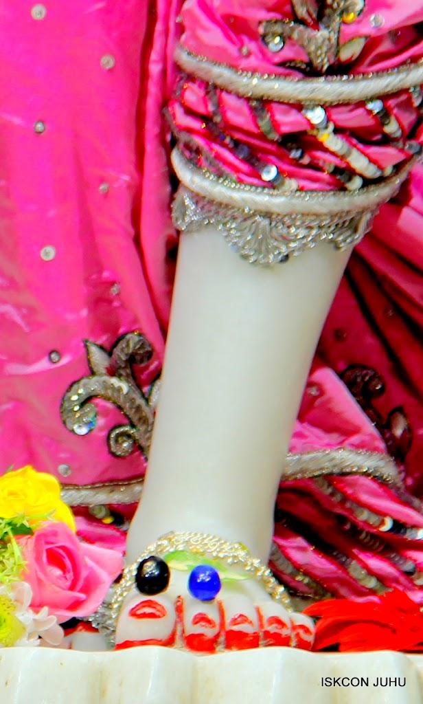 ISKCON Juhu Sringar Deity Darshan 20 Jan 16 (20)