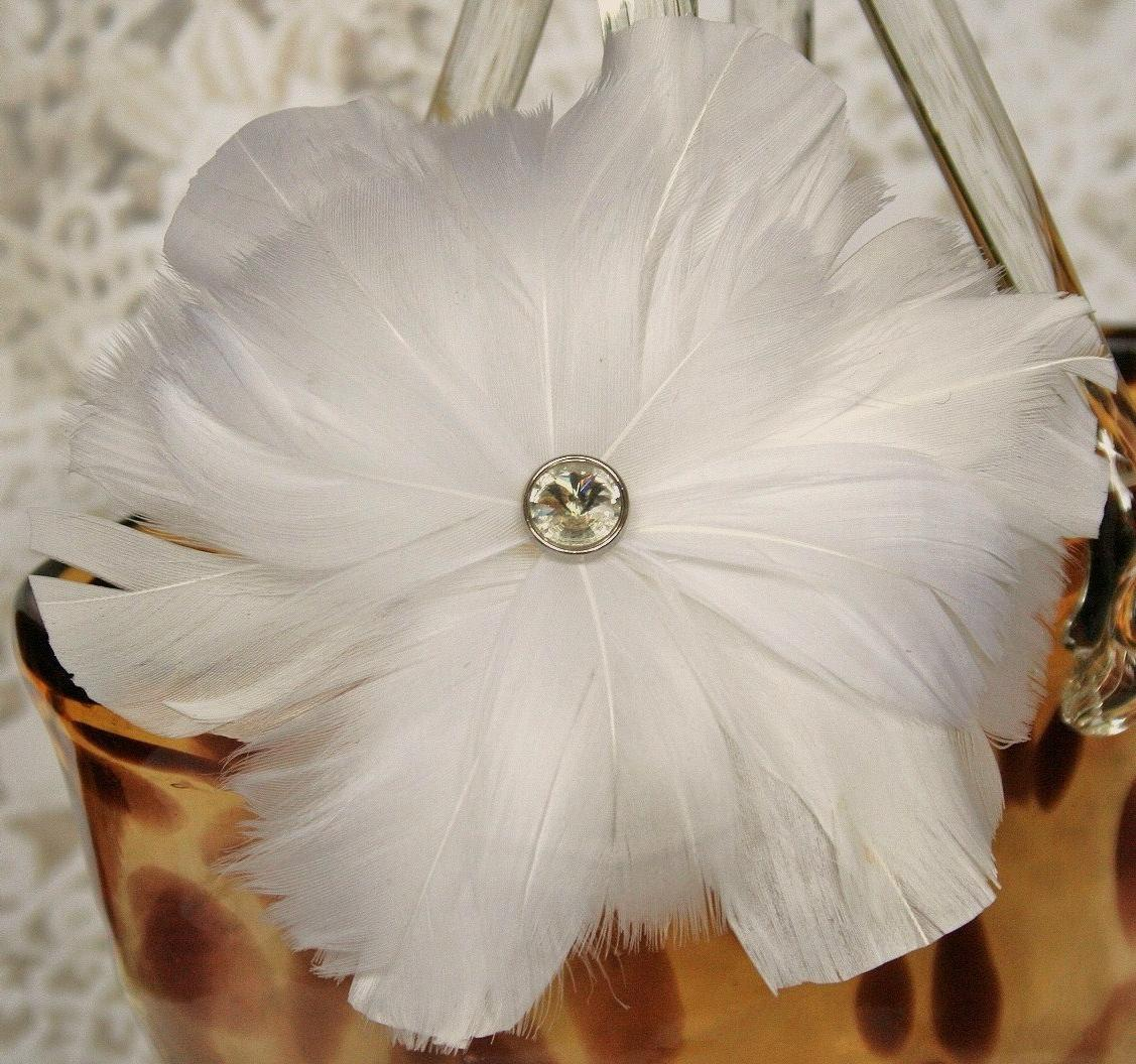 White Feather Flower Fascinator, Hair Clip, Wedding Headpiece, Hairpiece,