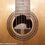 66: Guitarra Valentin Andronic.