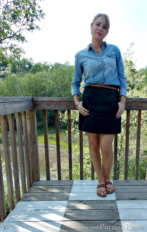 Black skirt, denim shirt, brown belt, brown sandals4