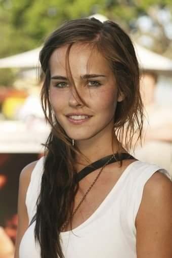 Actress Isabel Lucas ...