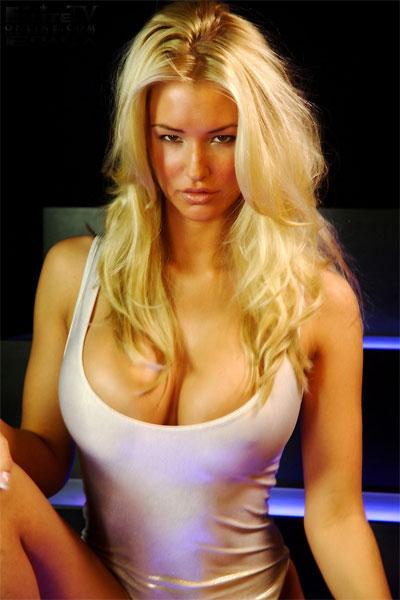 Big boob bollywood actress