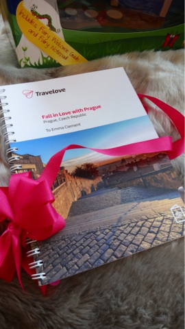 Travelove  - Christmas Gift Guide 2015