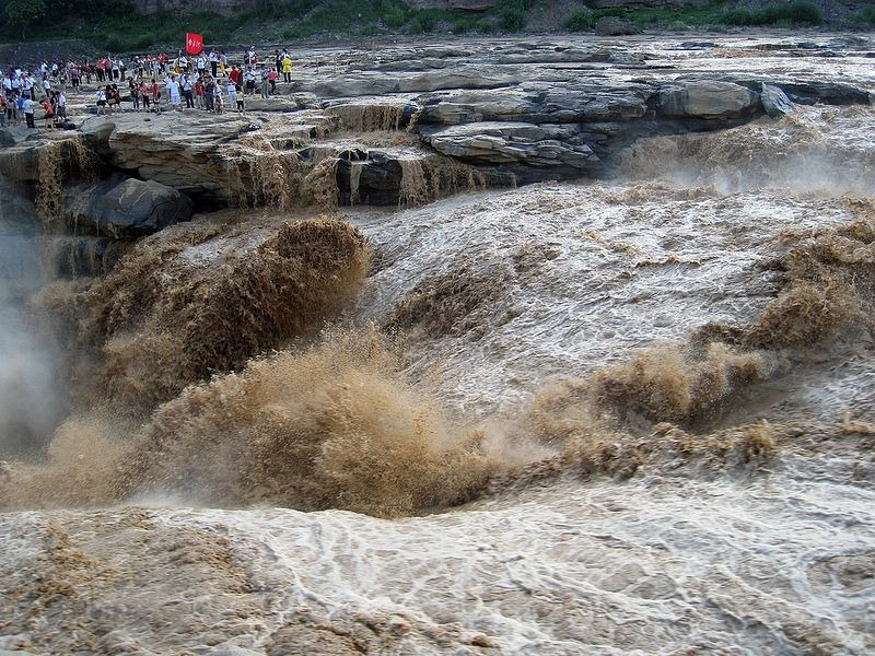 hukou-waterfall-5