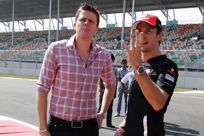 Джейк Хамфри и Дженсон Баттон на Гран-при Индии 2011