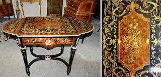 Стол раскладной с выдвижным ящиком. 19-й век. Маркетри с цветочным орнаментом, позолоченный бронзовый декор. 111-155/56/75 см. 3500 евро.