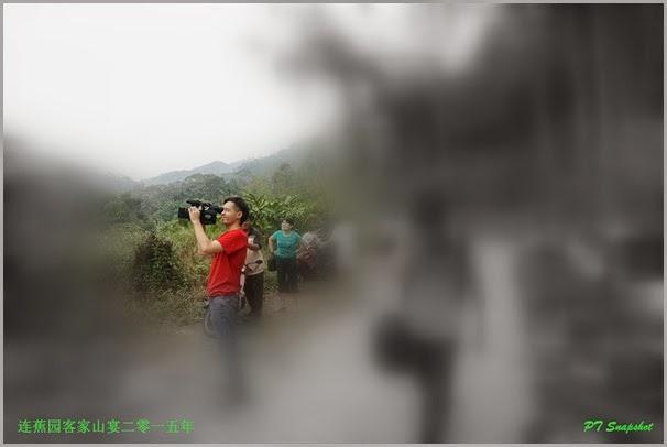 录像机红衣人