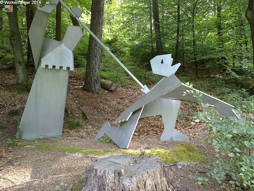 Am Lindelbrunnen übernachtet, der Brunnen an dem Siegfried der Sage nach von Hagen gekillt wurde.