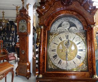 Красивые антикварные часы. Голландия 18-й век. Высота 330 см. 14000 евро.