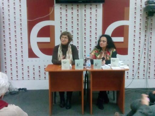 7 грудня у львівській книгарні «Є» відбулася презентація книжки львівської поетеси Марти Починайко «Дзвін Каменю».