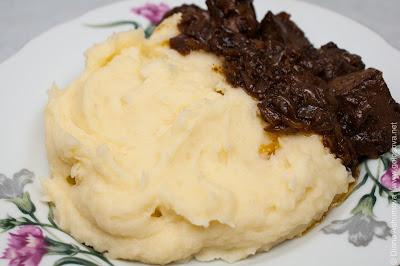 картофельно пюре с жареной печенкой