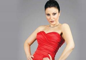 Biodata Lengkap Yonca Cevher Pemain Film Antara Nur dan Dia