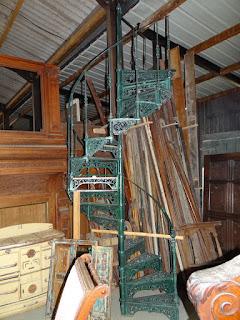 Антикварная чугунная лестница. 19-й век.