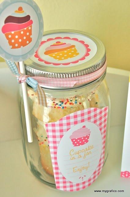 CupcakeParty_pink-cupcake-jar-closeup