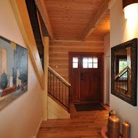 Hallway / Entrance