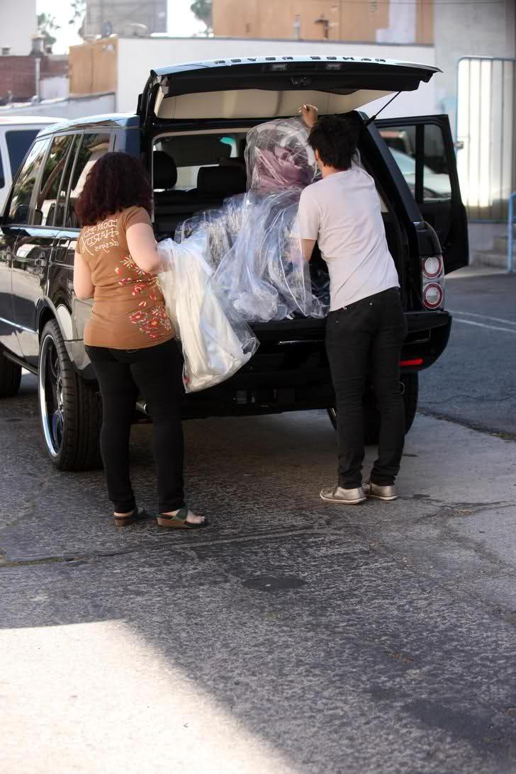 Kim Kardashian Picking Up Wedding Dresses, 9 26