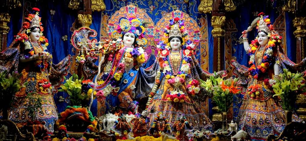 ISKCON Juhu Sringar Deity Darshan 14 Jan 2016 (8)