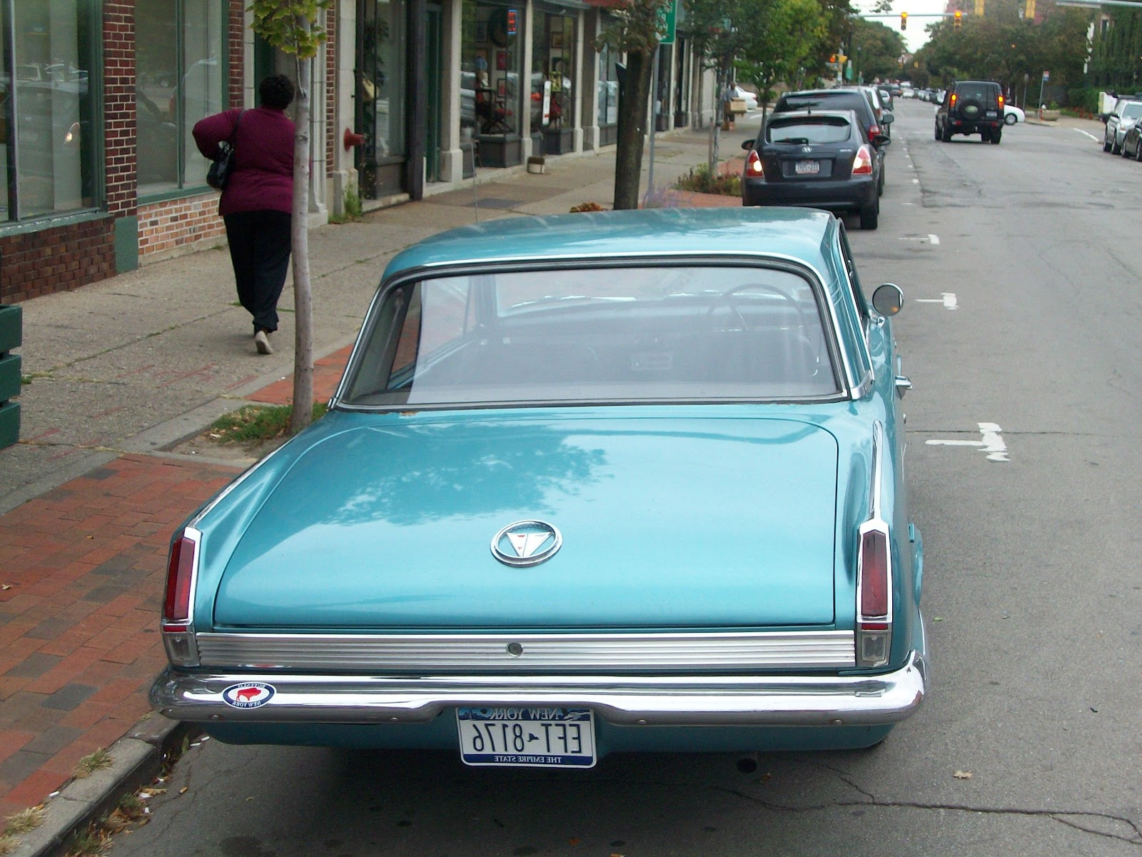 64 Valiant Signet 200 :: driver seat needs repair picture by imperialcruiser