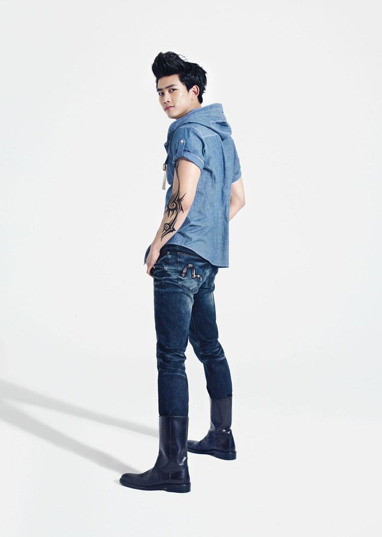 11 cach phoi jeans sanh dieu cho chang  9