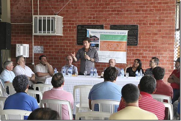 Visita Hospital Regional_Demis Roussos (3)
