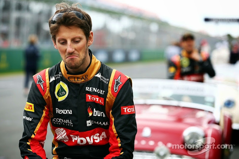 недовольный Ромэн Грожан на параде пилотов Гран-при Австралии 2014